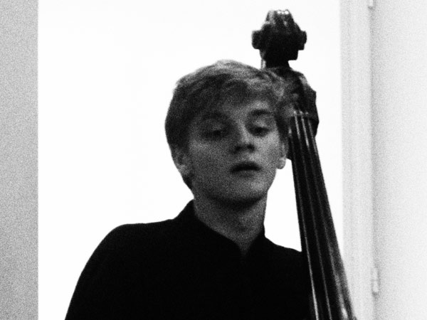 RAIVIS MISJUNS Raivis Misjuns comes from Riga, Latvia. In 2009, he started to seriously commit himself both in double bass and composition, having lessons with the renowned composer Pēteris Vasks. Currently he is studying double bass and composition in the Royal Academy of Music. One of the directions Raivis is interested in is to develop as an artist combining various performance elements including his own compositions and double bass play.