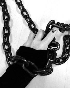 Chains1.jpg