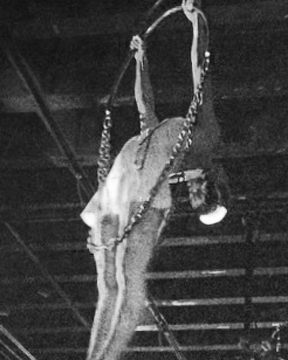 Chains3.jpg