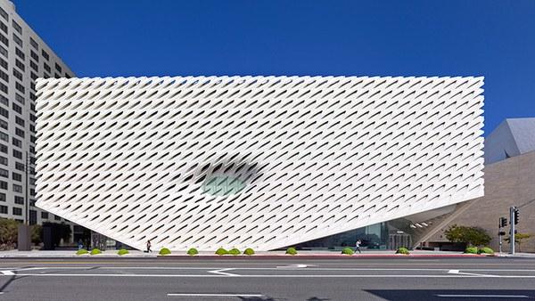 broad-museum-la-opening-01A.jpg