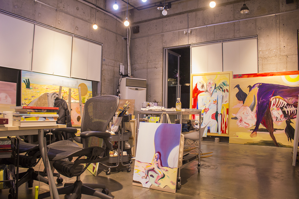 Who can resist taking a peak at Gaetoe's work space? Everyone involved in this project is a committed artist and it's always amazing to see how others work.