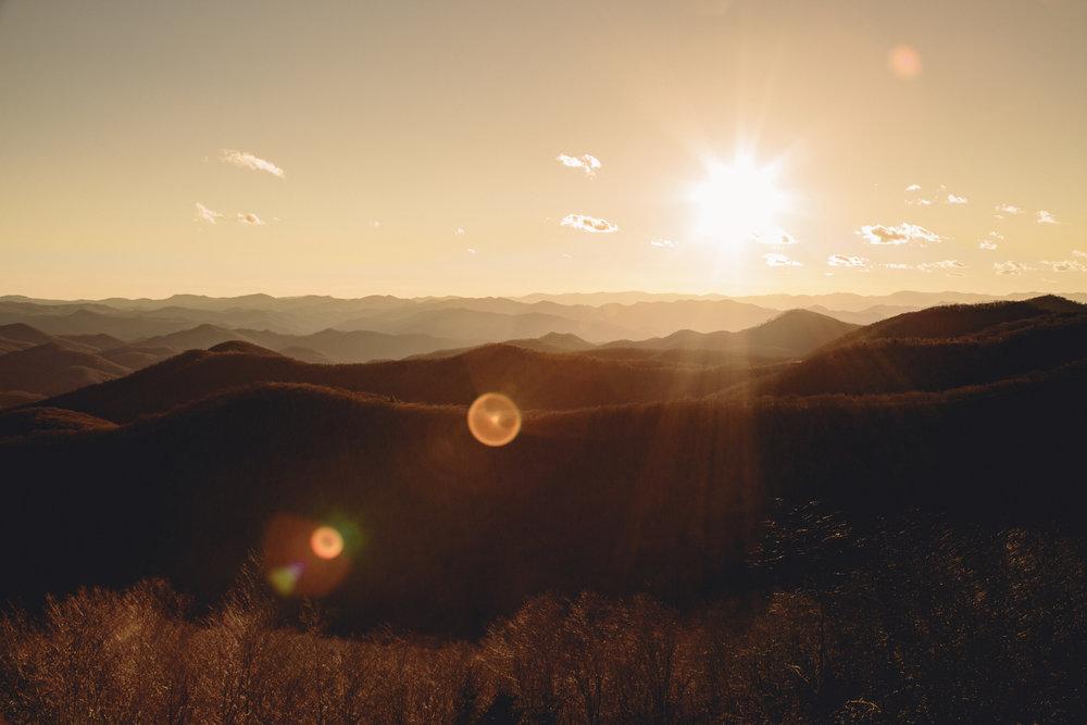 lens-flare-hills