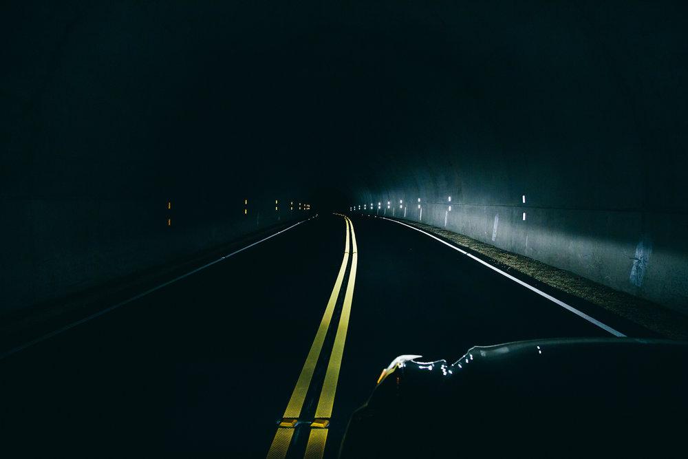 long-exposure-dark-road