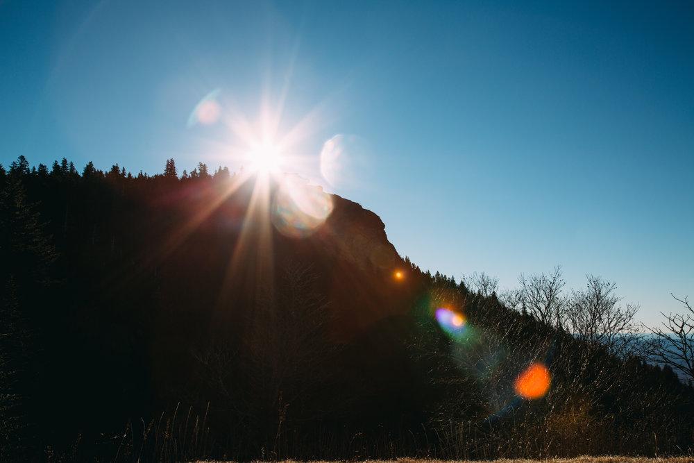 lens-flare-hill