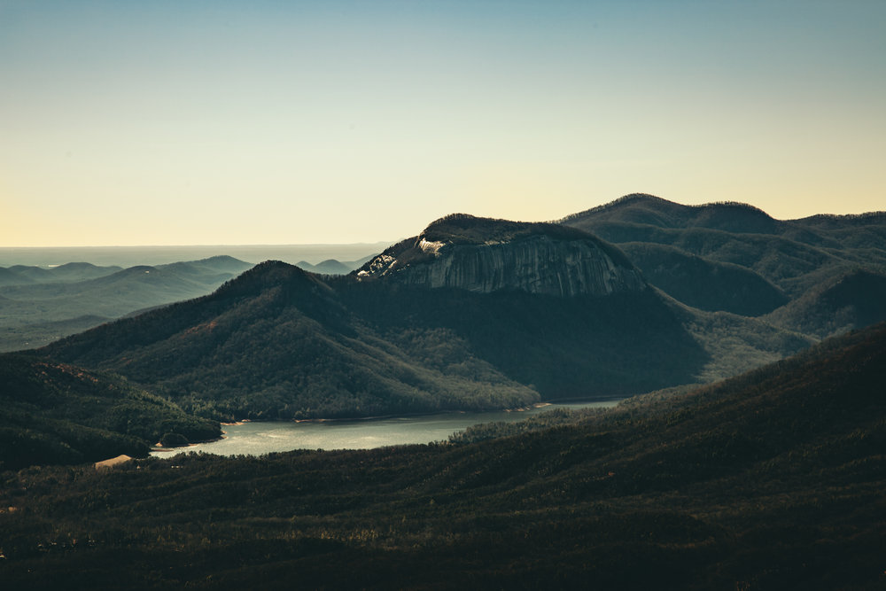 hillside-view-eastern-us-lake