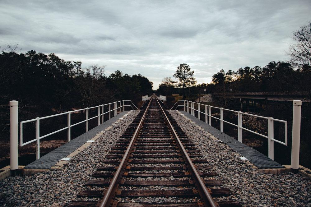 long-railroad-perspective