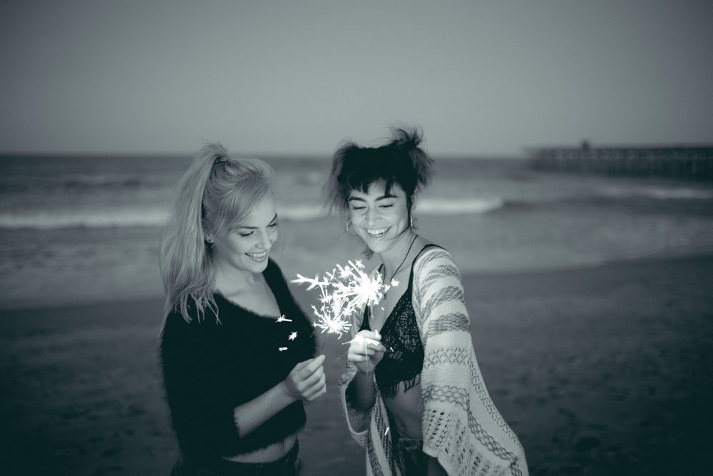 florida-flagler-beach-sparklers-photographer-ocean