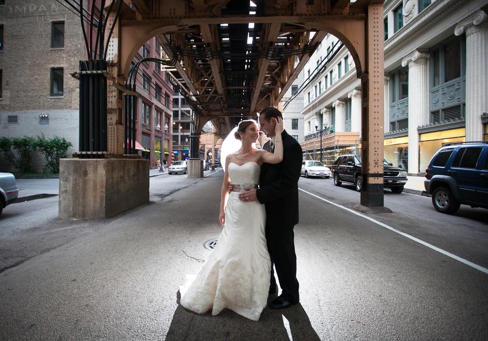 zulufoto-www.zulufoto.com-chicago-wedding-photographer-under-El-1.jpg