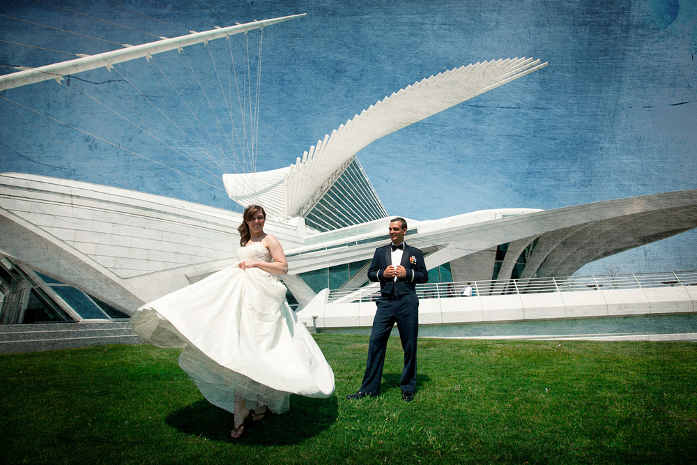 bride-and-groom-dance-in-front-of-art-museum-in-milwaukee.jpg