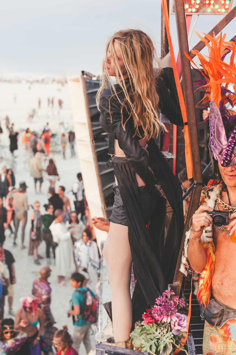 VOENA_BLACK_ROCK_CITY_BRC_BURNING_MAN_2013_PHOTOGRAPHY_EDITORIAL_SAM_WHITESIDE_CAI_GRIFFIN_DESERT_BURNERS-16.jpg