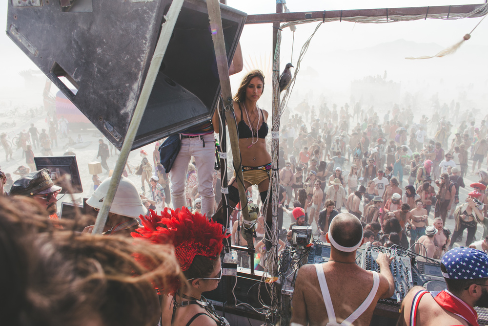 VOENA_BLACK_ROCK_CITY_BRC_BURNING_MAN_2013_PHOTOGRAPHY_EDITORIAL_SAM_WHITESIDE_CAI_GRIFFIN_DESERT_BURNERS-18.jpg