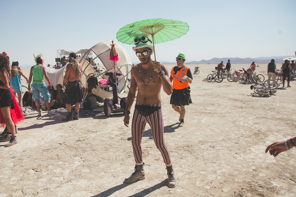 VOENA_BLACK_ROCK_CITY_BRC_BURNING_MAN_2013_PHOTOGRAPHY_EDITORIAL_SAM_WHITESIDE_CAI_GRIFFIN_DESERT_BURNERS-36.jpg