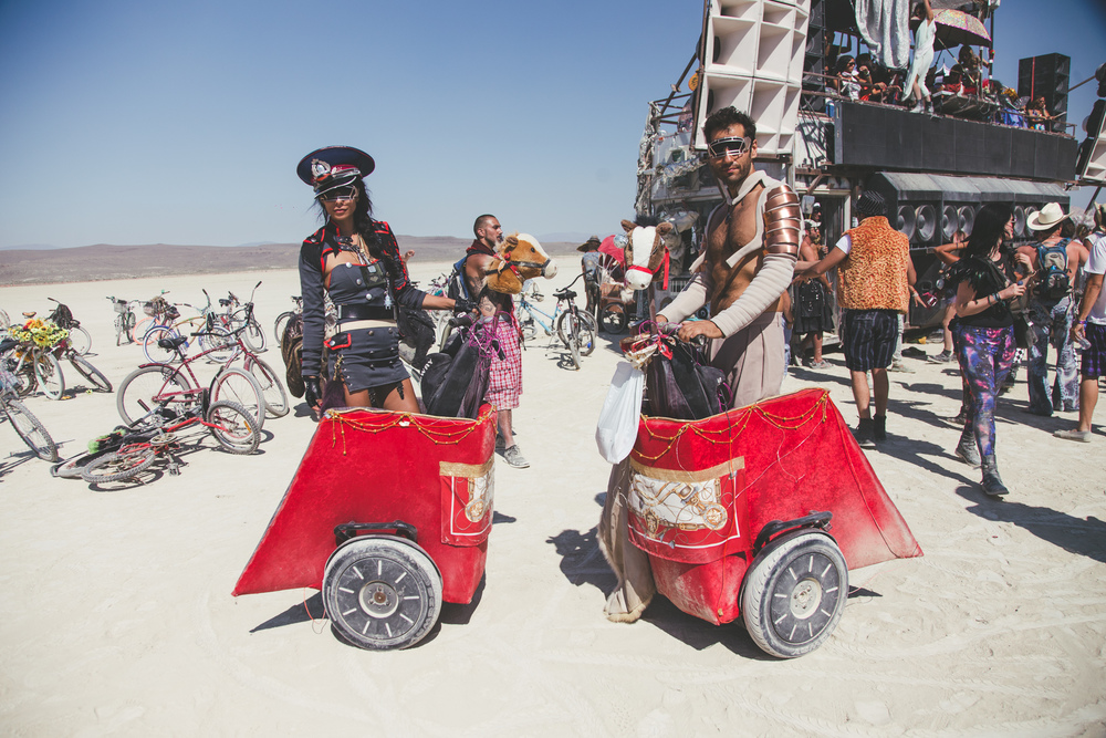VOENA_BLACK_ROCK_CITY_BRC_BURNING_MAN_2013_PHOTOGRAPHY_EDITORIAL_SAM_WHITESIDE_CAI_GRIFFIN_DESERT_BURNERS-38.jpg