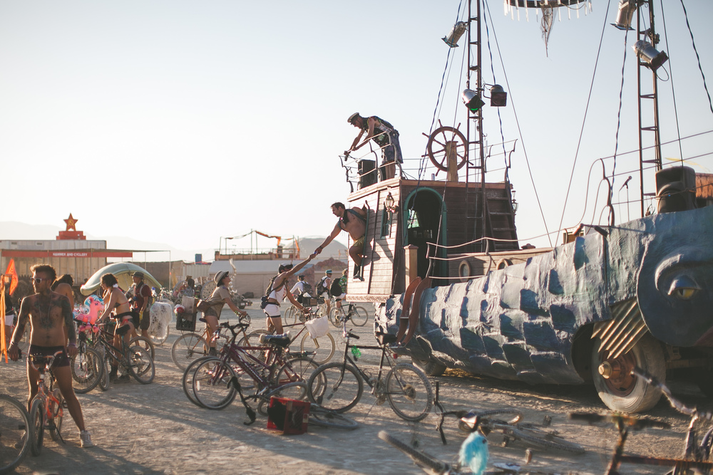 VOENA_BLACK_ROCK_CITY_BRC_BURNING_MAN_2013_PHOTOGRAPHY_EDITORIAL_SAM_WHITESIDE_CAI_GRIFFIN_DESERT_BURNERS-45.jpg