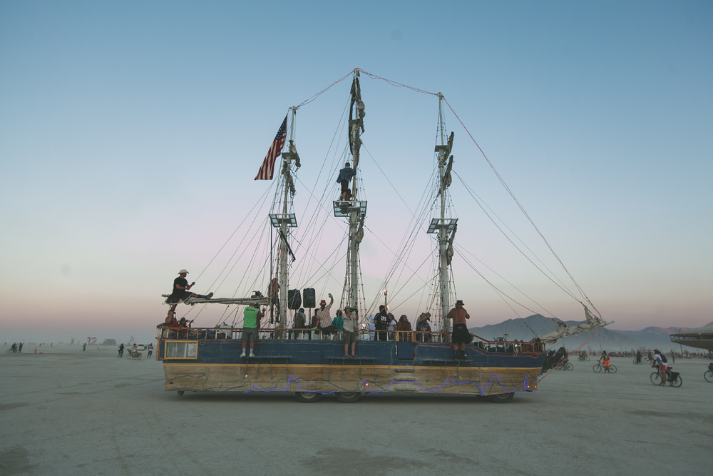 VOENA_BLACK_ROCK_CITY_BRC_BURNING_MAN_2013_PHOTOGRAPHY_EDITORIAL_SAM_WHITESIDE_CAI_GRIFFIN_DESERT_BURNERS-61.jpg