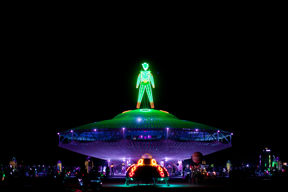 VOENA_BLACK_ROCK_CITY_BRC_BURNING_MAN_2013_PHOTOGRAPHY_EDITORIAL_SAM_WHITESIDE_CAI_GRIFFIN_DESERT_BURNERS-67.jpg