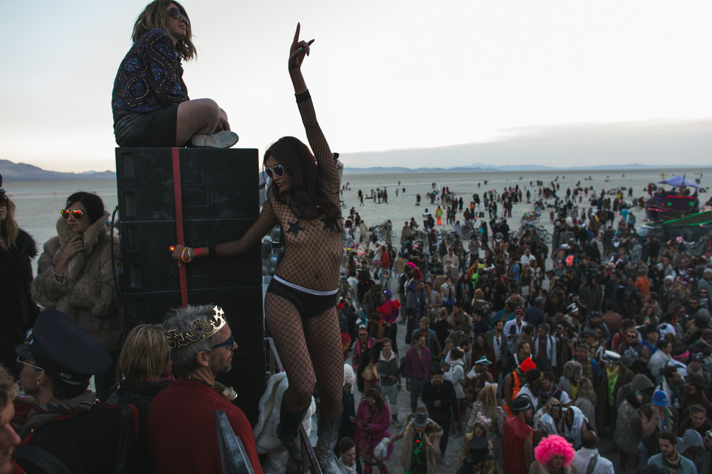 VOENA_BLACK_ROCK_CITY_BRC_BURNING_MAN_2013_PHOTOGRAPHY_EDITORIAL_SAM_WHITESIDE_CAI_GRIFFIN_DESERT_BURNERS-110.jpg