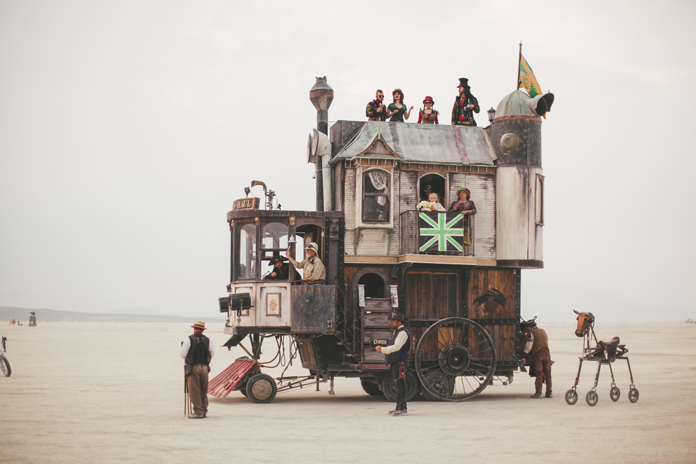 VOENA_BLACK_ROCK_CITY_BRC_BURNING_MAN_2013_PHOTOGRAPHY_EDITORIAL_SAM_WHITESIDE_CAI_GRIFFIN_DESERT_BURNERS-129.jpg