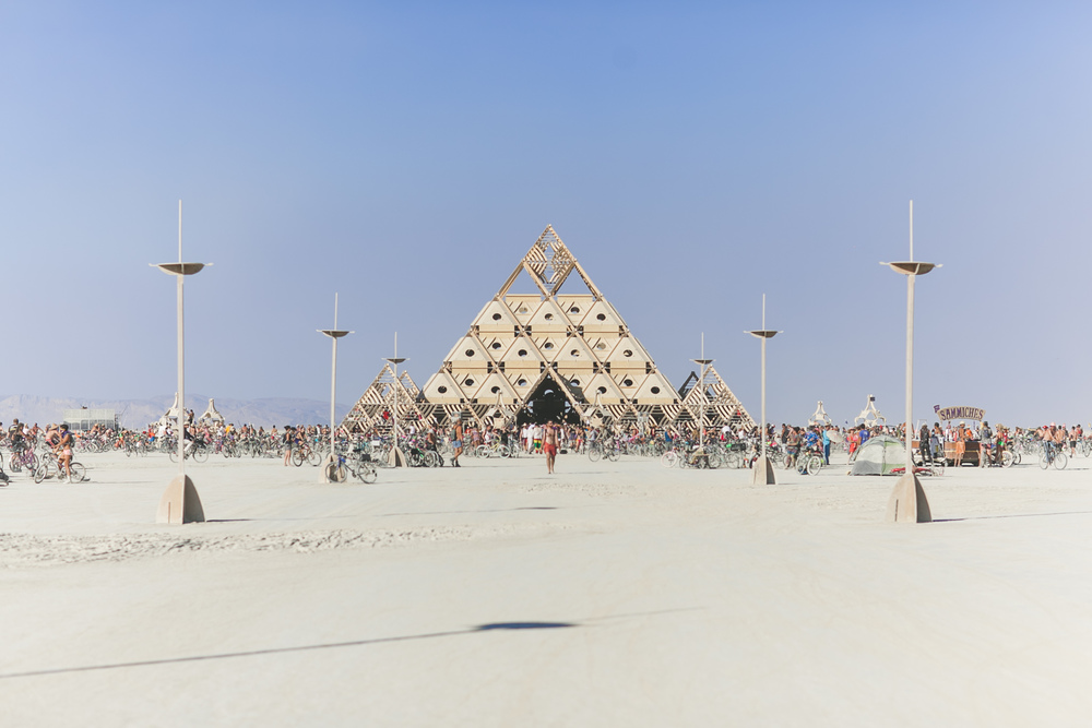 VOENA_BLACK_ROCK_CITY_BRC_BURNING_MAN_2013_PHOTOGRAPHY_EDITORIAL_SAM_WHITESIDE_CAI_GRIFFIN_DESERT_BURNERS-134.jpg