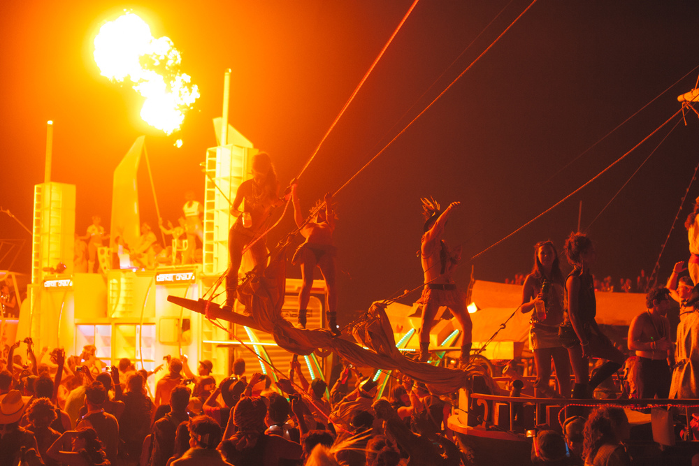 VOENA_BLACK_ROCK_CITY_BRC_BURNING_MAN_2013_PHOTOGRAPHY_EDITORIAL_SAM_WHITESIDE_CAI_GRIFFIN_DESERT_BURNERS-158.jpg