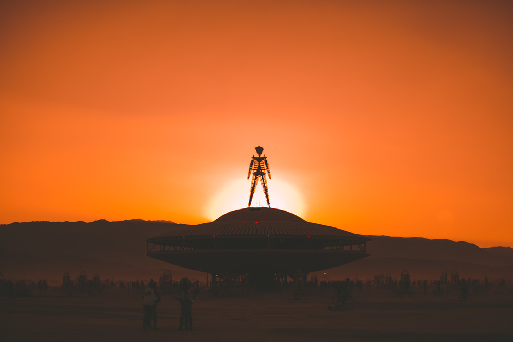 VOENA_BLACK_ROCK_CITY_BRC_BURNING_MAN_2013_PHOTOGRAPHY_EDITORIAL_SAM_WHITESIDE_CAI_GRIFFIN_DESERT_BURNERS-187.jpg