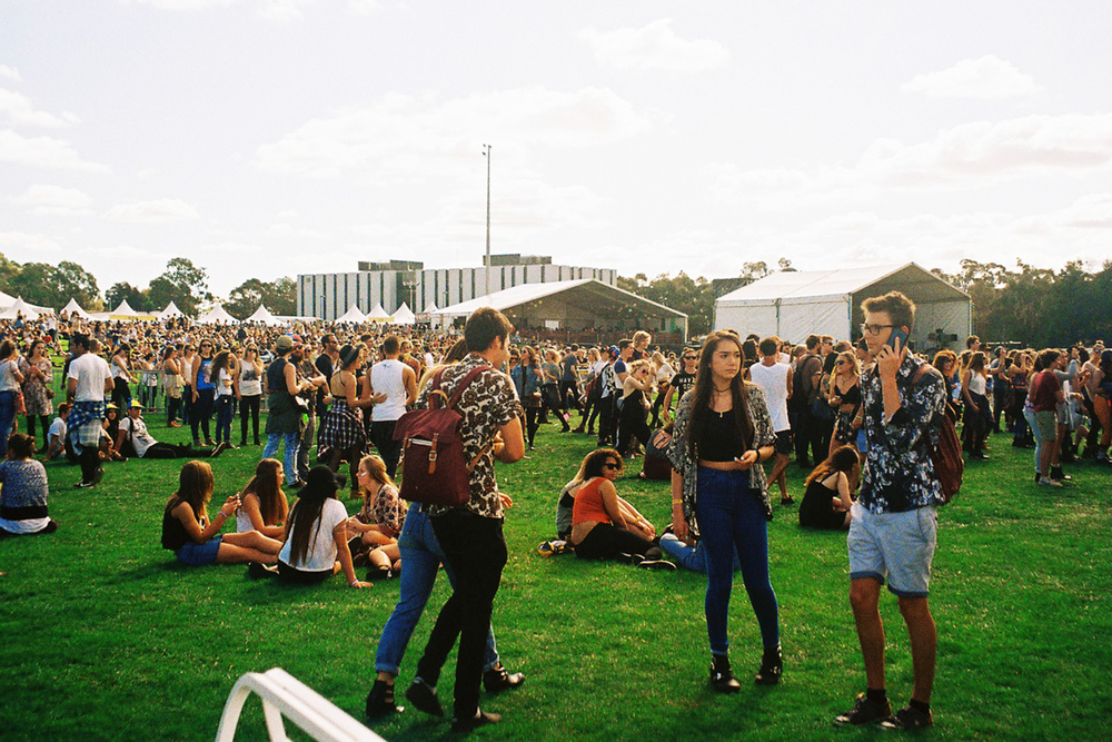 VOENA_GROOVIN_THE_MOO_CANBERRA_FILM_2015_35MM_PHOTOS-6.jpg