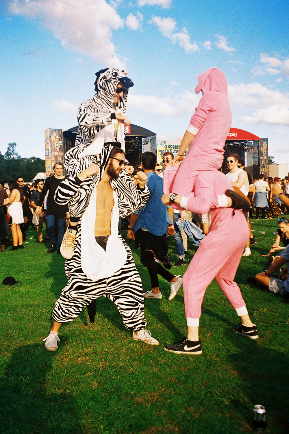 VOENA_GROOVIN_THE_MOO_CANBERRA_FILM_2015_35MM_PHOTOS-9.jpg