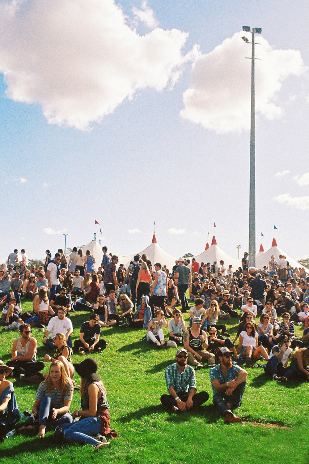 VOENA_GROOVIN_THE_MOO_CANBERRA_FILM_2015_35MM_PHOTOS-23.jpg
