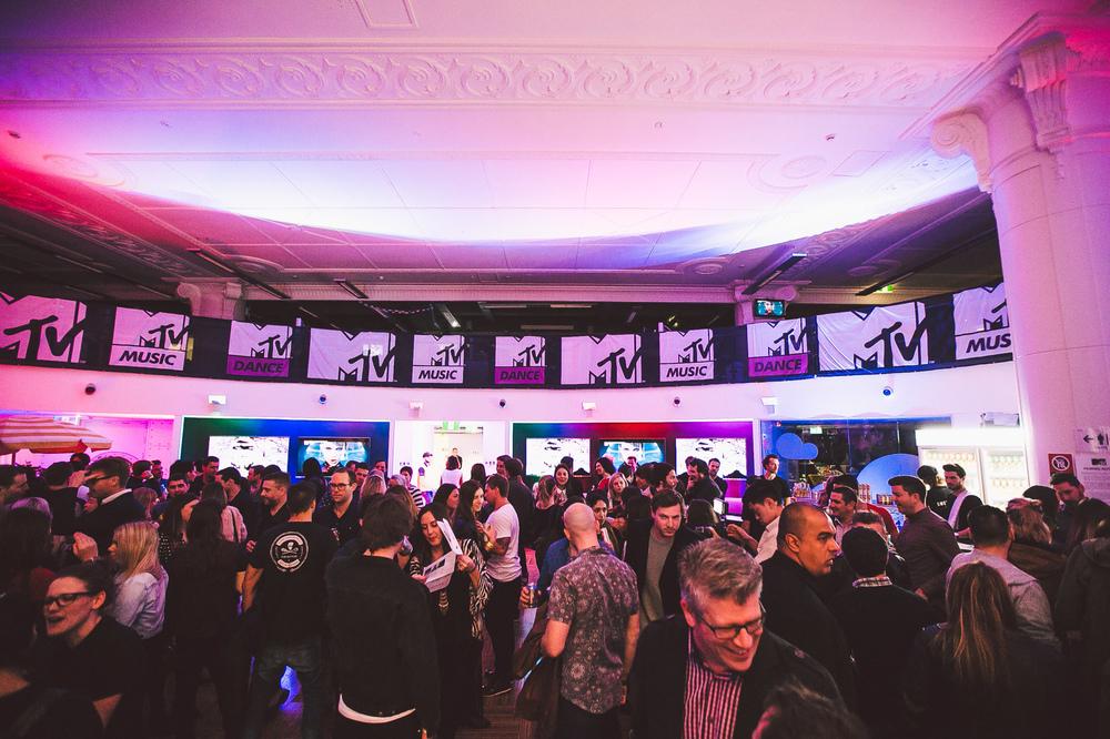 Voena_MTV_Oxjam_Sydney-2.jpg