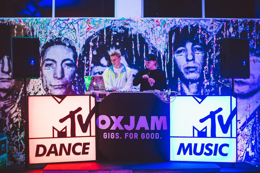 Voena_MTV_Oxjam_Sydney-7.jpg