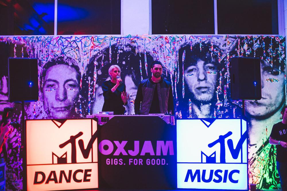 Voena_MTV_Oxjam_Sydney-34.jpg