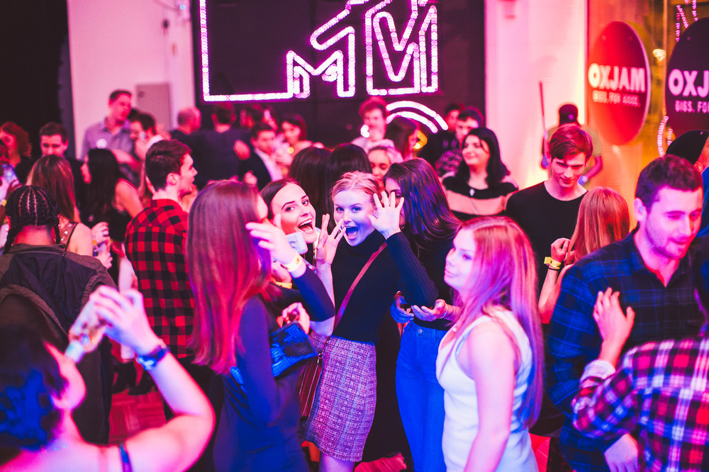 Voena_MTV_Oxjam_Sydney-53.jpg