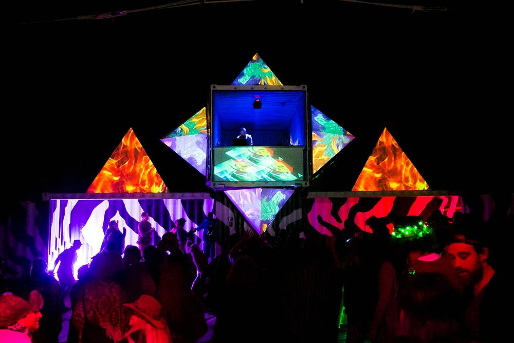 VOENA_EARTHCORE_2015_FESTIVAL_DOOF_BUSH-171.jpg