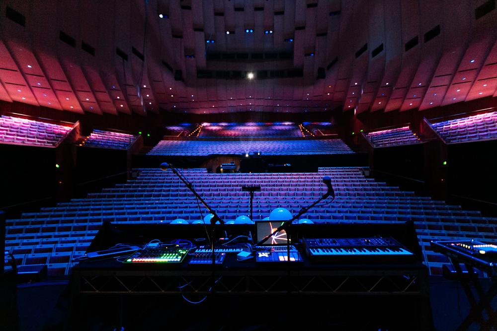 Voena_Vice_Samsung_Sound_+_Vision_Sydney_Opera_House-31.jpg