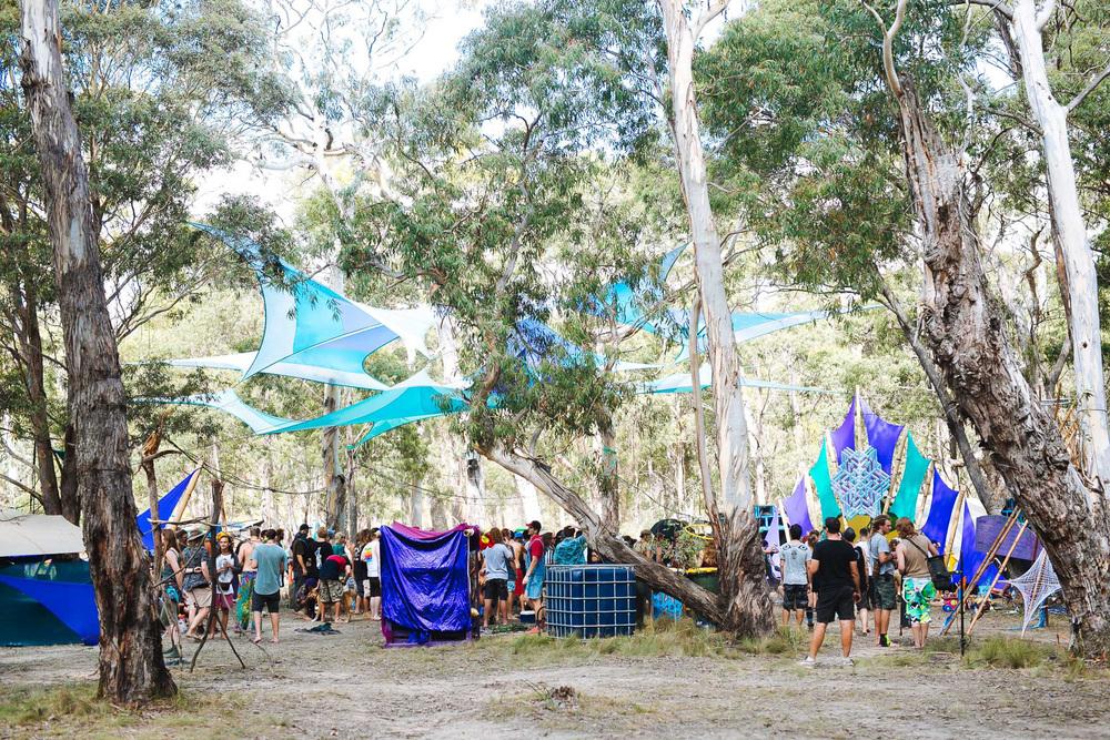 VOENA_LUCYS_UNDERGROUND_LABORATORY_2016_DOOF_FESTIVAL_AUSTRALIA-4.jpg