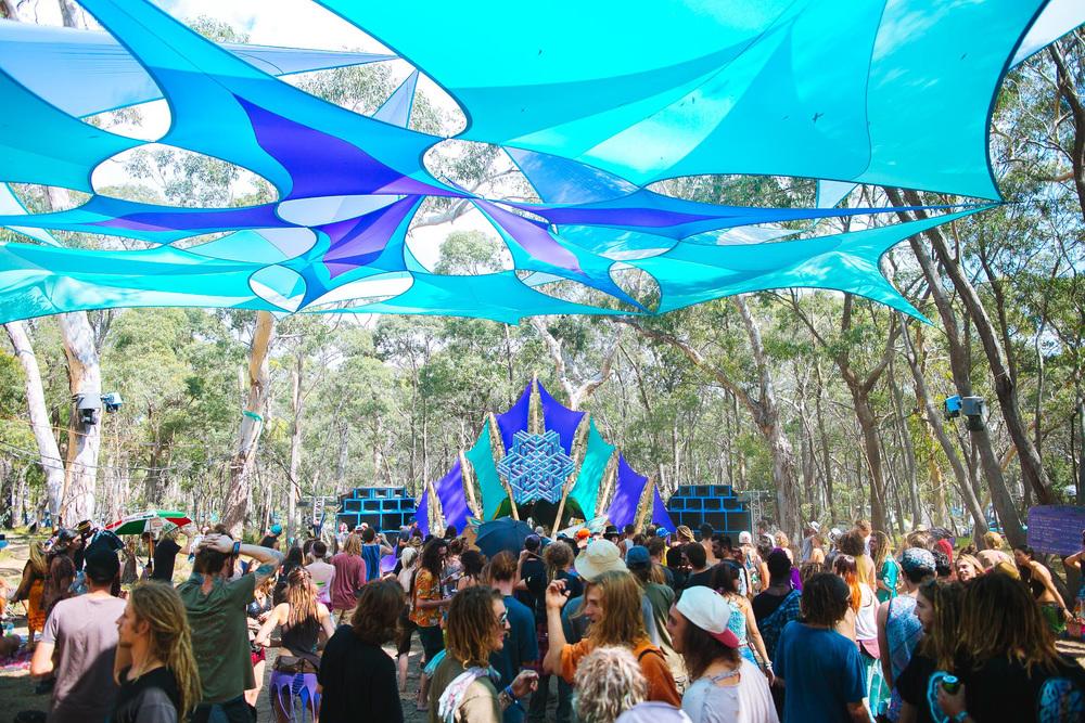 VOENA_LUCYS_UNDERGROUND_LABORATORY_2016_DOOF_FESTIVAL_AUSTRALIA-6.jpg