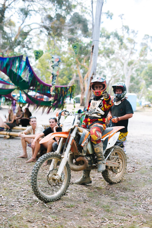 VOENA_LUCYS_UNDERGROUND_LABORATORY_2016_DOOF_FESTIVAL_AUSTRALIA-49.jpg