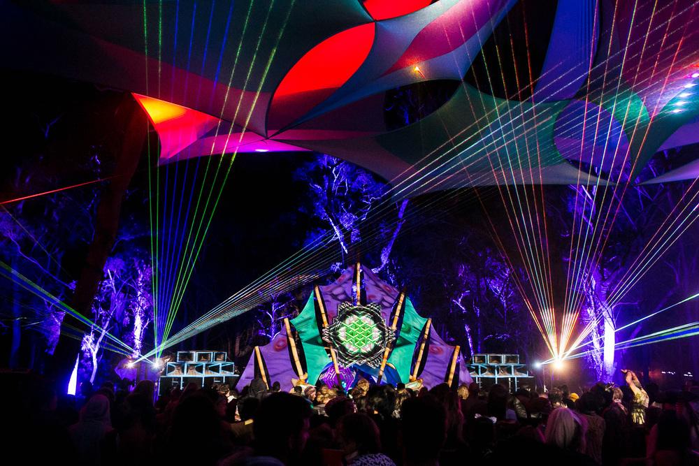 VOENA_LUCYS_UNDERGROUND_LABORATORY_2016_DOOF_FESTIVAL_AUSTRALIA-72.jpg