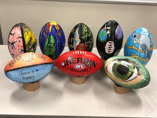 Check out what the Youth Opportunities kids created today! Aren't they incredible!? Also they were all so lovely, I'm lucky to have met them.  I hope you will all come along to the exhibition at Plant 4 Bowden opening night 9th Aug. Where these footy's pictured, along with 100 of S.A.'s best artists & celebrities have decorated a ball to raise funds for Youth Opportunities.  Let's help these young people realise their potential and get the best start in life they possibly can! @youth_opportunities #transformartive #sherrinfooty #charityexhibition