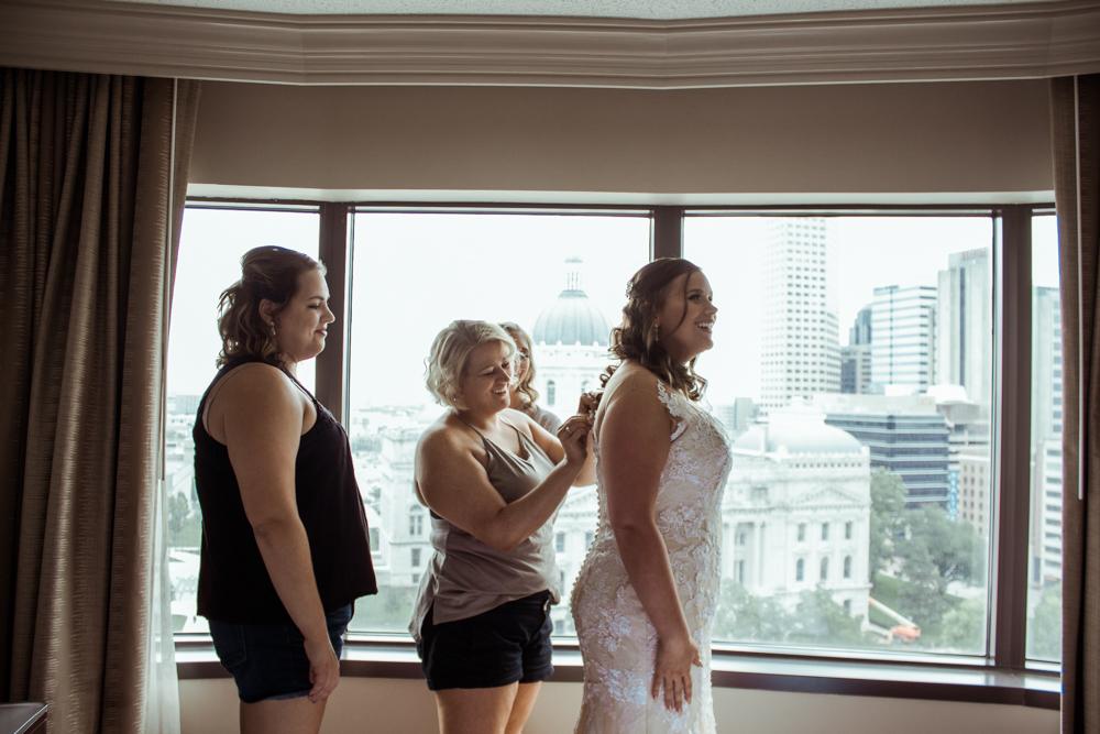Frye-Indianapolis-Wedding-17.jpg