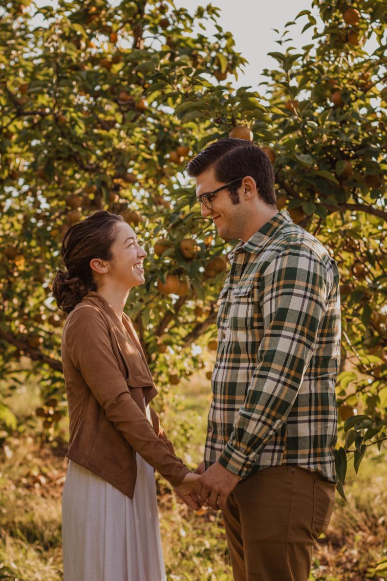 Appleworks-Engagement-Indiana-Photographer-3.jpg