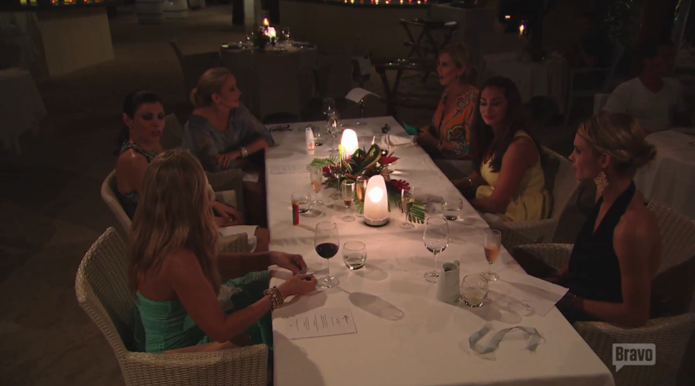 rhoc-group-dinner-tahiti