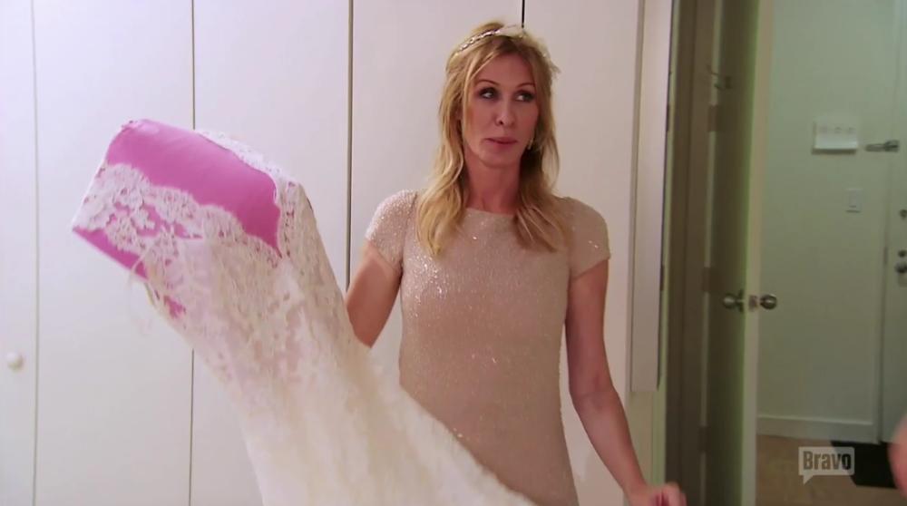 carole-wedding-dress