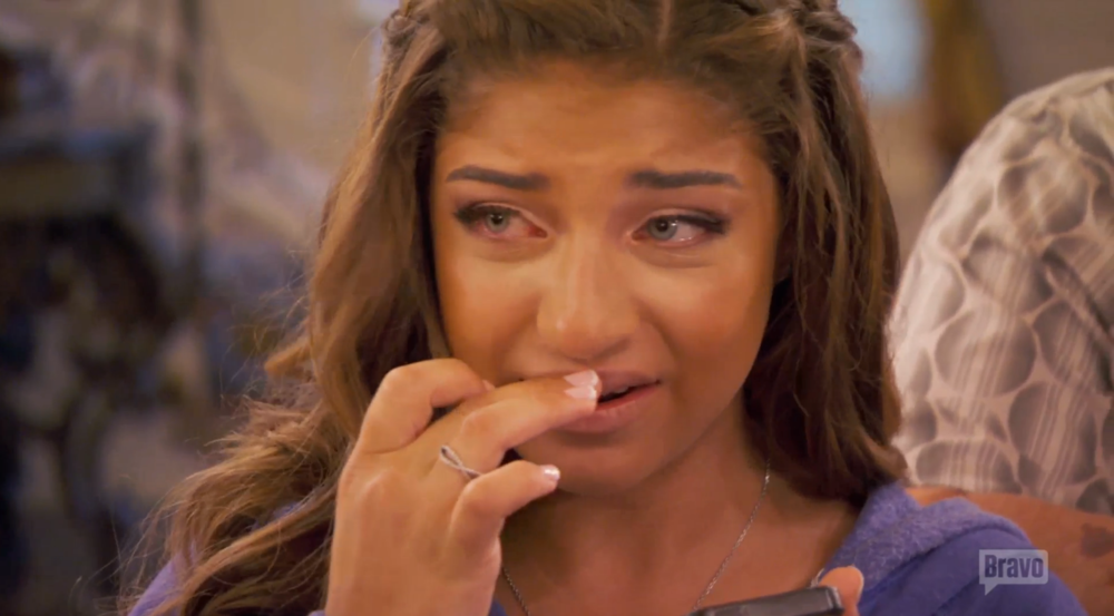 rhonj-teresa-checks-in-gia-crying