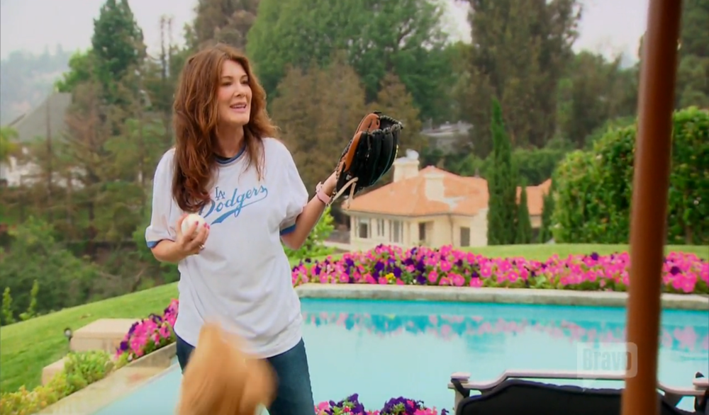 lisa-vanderpump-pitching-practice