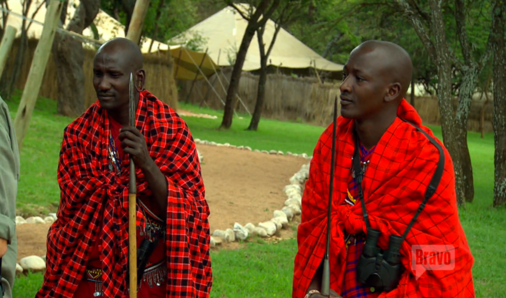 tour-group-maasai-mara-kenya