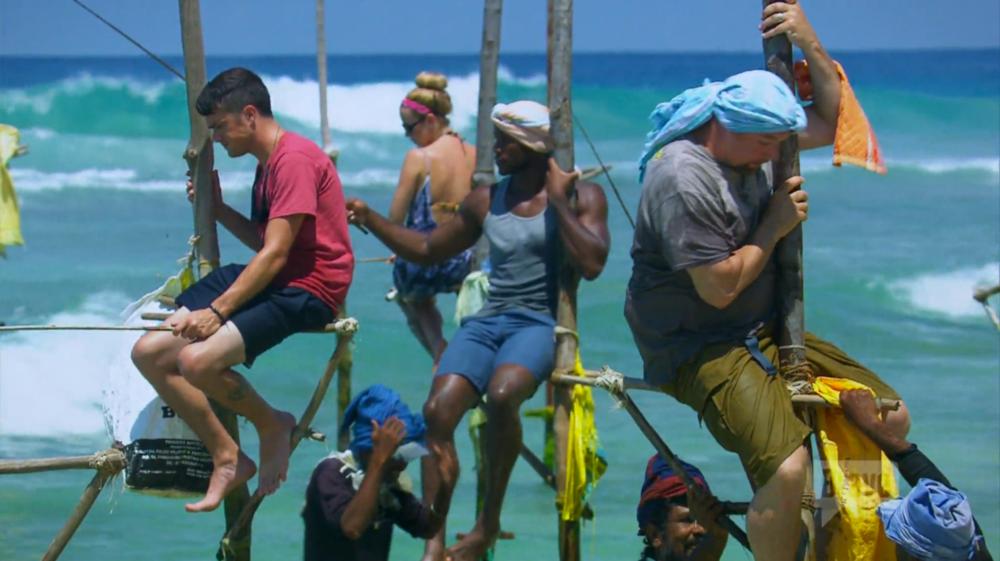 bravo-tour-group-stilt-fishing