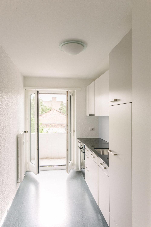 Innensanierung Küche MFH Basel, Consilium Architektur und Baumanagement