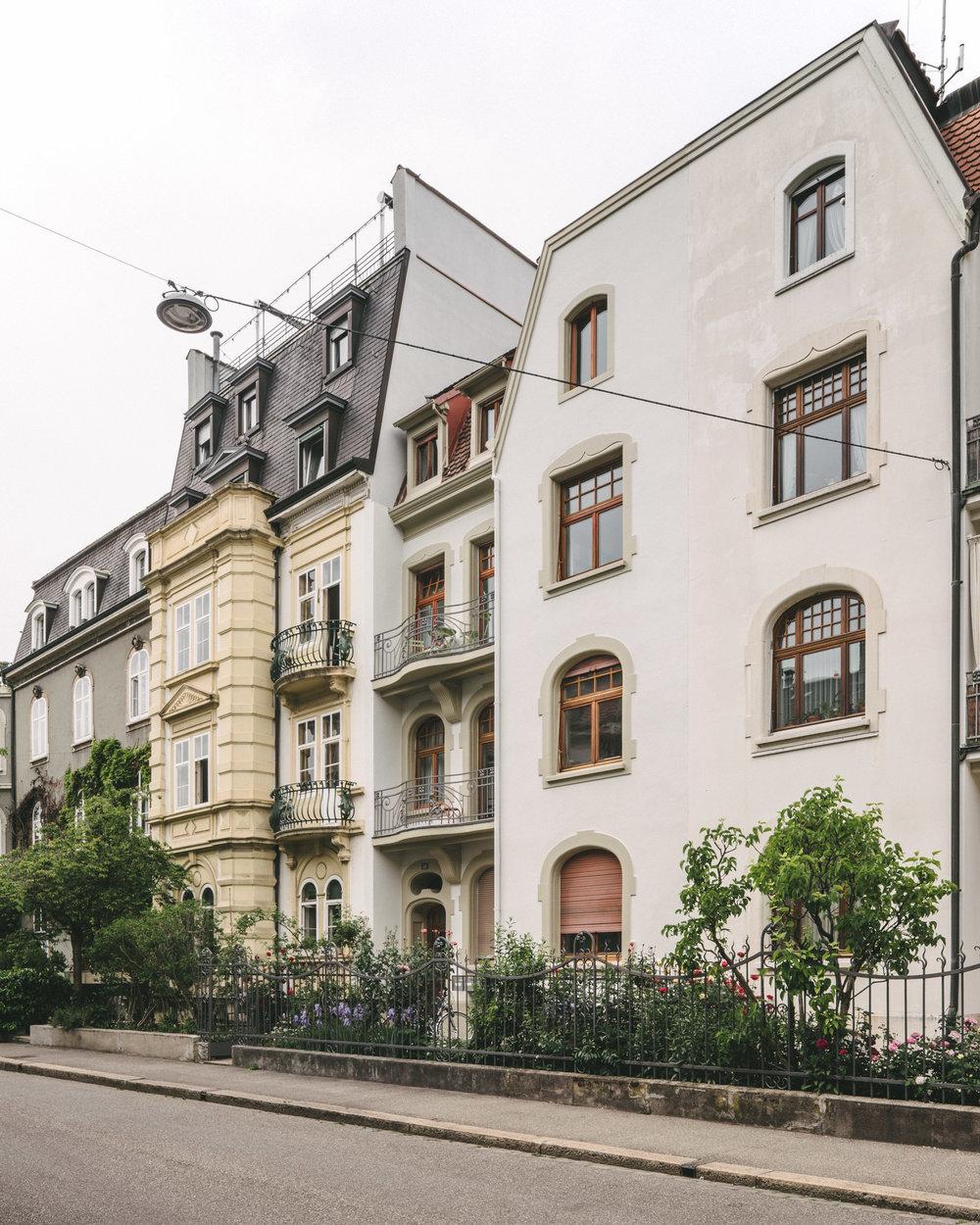 Aussensanierung MFH Basel Seitenansicht, Consilium Architektur und Baumanagement