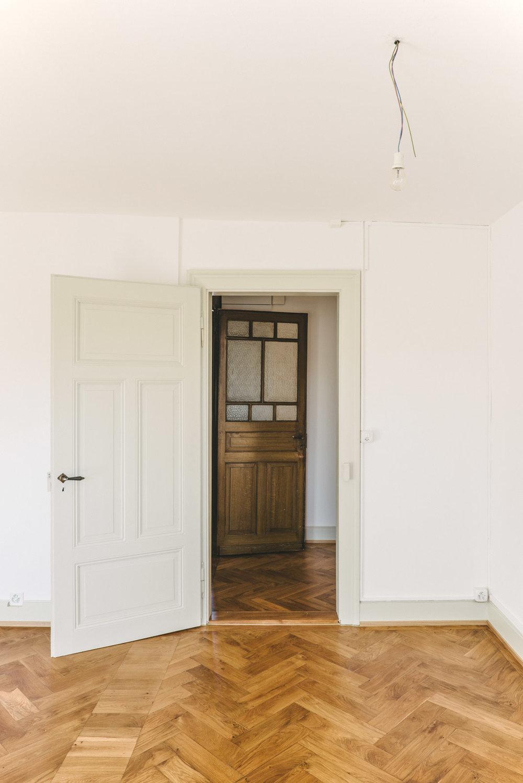 Umbau MFH Basel Türen, Consilium Architektur und Baumanagement